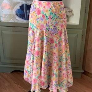 Notations size large floral skirt